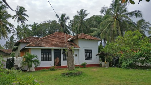 Bungalows enroute the Light House